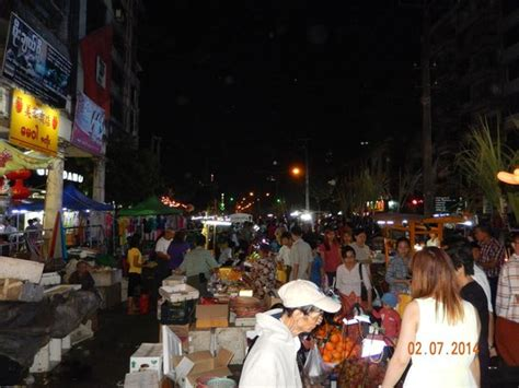 katso chinatown mahabandoola road night market kuva hotel grand united