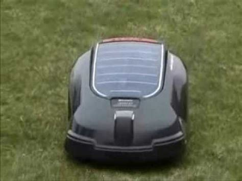Husqvarna Automower Solar Hybrid 1421 by Robot Rasaerba Husqvarna Automower Solar Hybrid