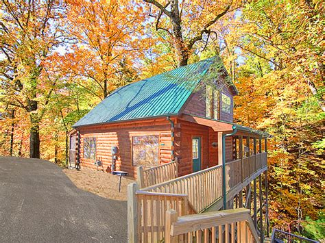 gatlinburg 2 bedroom cabins gatlinburg cabin smoky mountain dreamin 2 bedroom