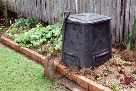 garden compost container choose the best compost bin organic gardening