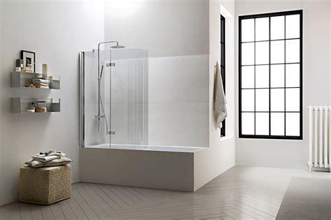 bagno con doccia e vasca la doccia nella vasca aggiungendo un pannello cose di casa
