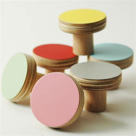 Knobs Or Handles For Kitchen Cabinets by Wooden Door Knobs