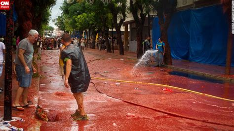 paint nite valencia all you need to about la tomatina festival of spain