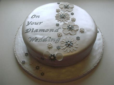 Gallery of Anniversary Cakes   Cake Maker Falmouth