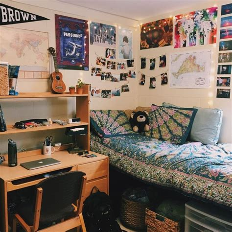 pin  laura  badrooms cool dorm rooms college