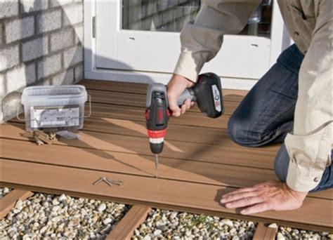 verlegen terrassendielen terrassendielen verlegen vorbereitung montage und pflege