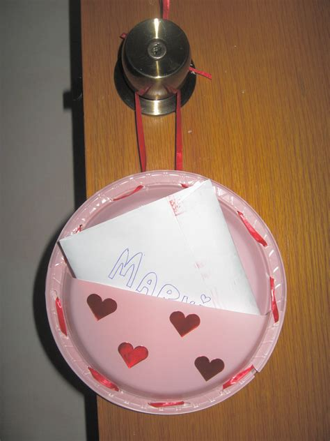 Valentines Paper Crafts - holder paper plate craft the