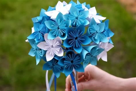 Beginner Origami Flowers - how to make a simple origami flower crafts on