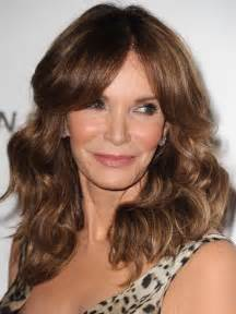 highlighted hairstyles for 50 brunette hair with highlights for older women over 50