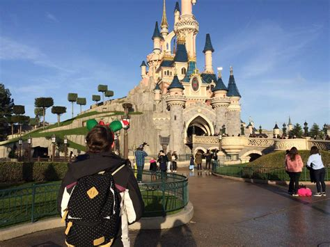 when dies disneyland paris decorate for christmas when do decorations go up at disney world 2018 www indiepedia org