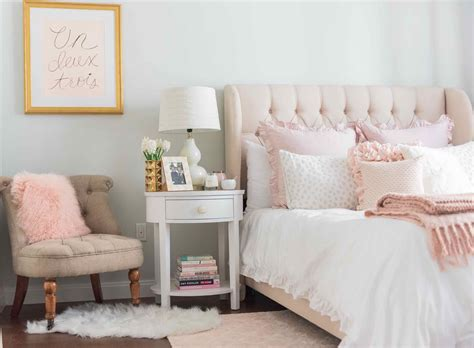about pink and grey bedroom for the with paw light