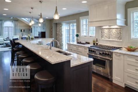 Kitchen area perfect for entertaining in this glen ellyn kitchen