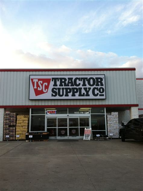 tractor supply shopping  fm   richmond tx