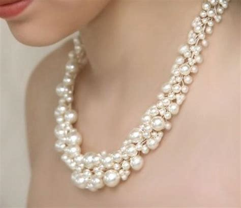Braut Perlenschmuck by Bridal Pearl Statement Necklace And Pearl Cluster Dangly