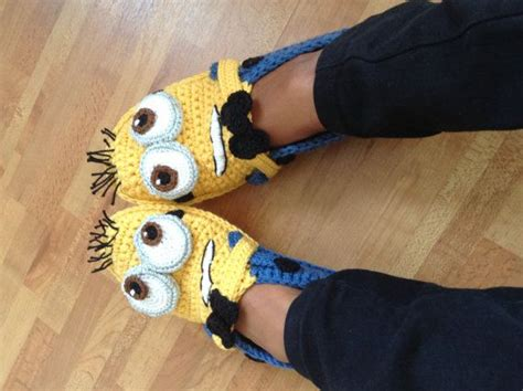 knitted minion slippers the world s catalog of ideas