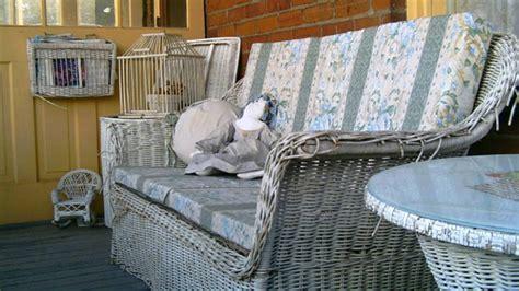 divanetti in vimini da esterno poltrone in vimini mobili per un giardino da sogno