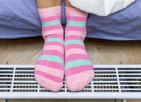 diabetes  cold feet   treatment  cold feet