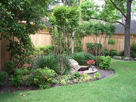 Backyard Landscaping Ideas For Privacy Landscaping Ideas For Fences Landscaping Along Privacy Fence Wood Fence Residential
