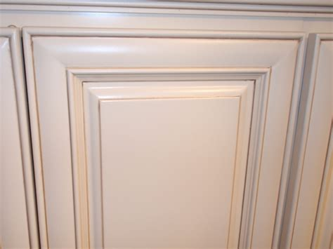 glaze for kitchen cabinets antique white maple glazed kitchen cabinets