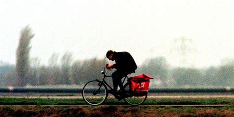 verkeer ondervindt veel hinder van harde wind blik op nieuws