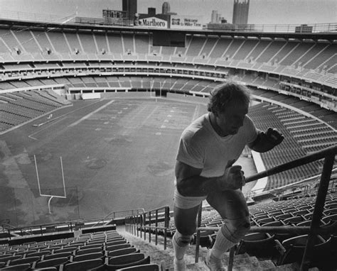mike webster bench press concussion and the story of mike webster pittsburgh