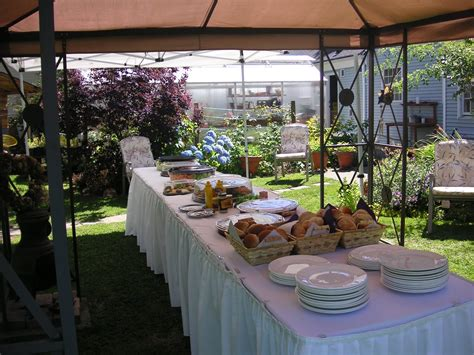 Backyard Wedding Buffet Ideas Wedding Cake That Bloomin Garden