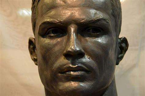 cristiano ronaldo new real madrid give cristiano ronaldo a new bust live