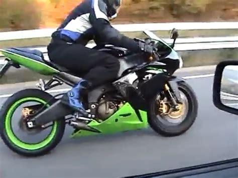 Motorrad Auspuff Ohne T V by Kawasaki Zx 10r Flyby Ohne Auspuff Die Kumpels Haben Spa 223