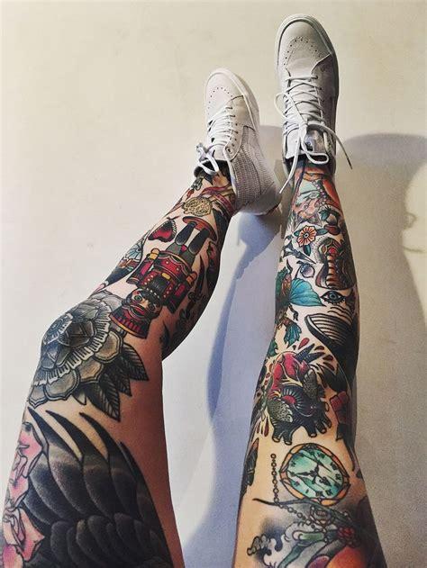 krutye  neveroyatnye tatuirovki na nogakh belowebru