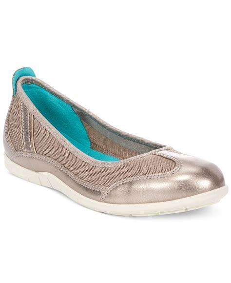 ecco flat shoes lyst ecco s bluma summer ballerina flats in metallic