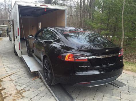 Tesla Delivery Deadmau5 Takes Delivery Of Tesla Model S P85d