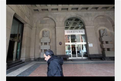 libreria dehoniana bologna prende fratellino in questura arrestata tiscali notizie