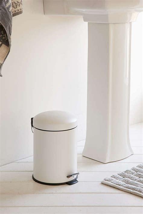 bathroom trash can ideas 1000 ideas about bathroom trash cans on pinterest