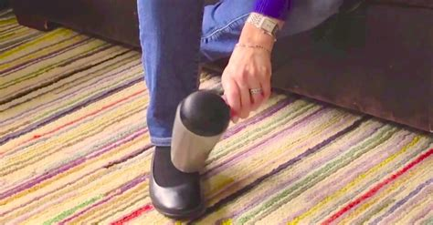 Hair Dryer Banana Trick with just a small hair dryer she gets rid of aching blisters forever this is brilliant