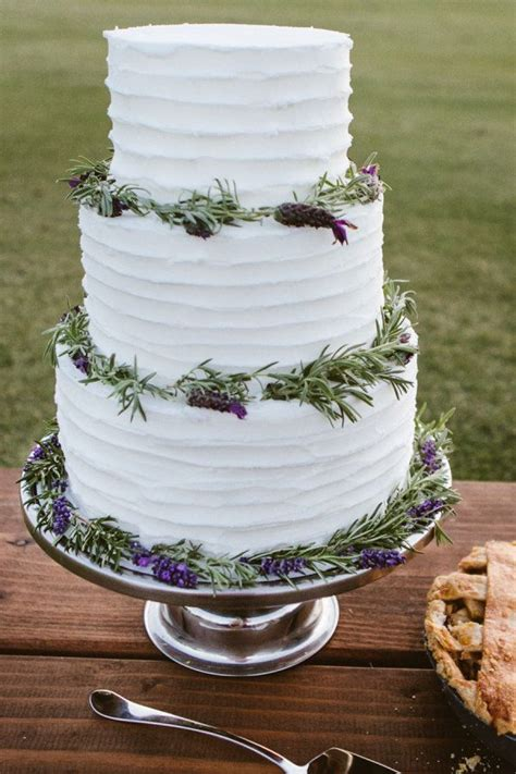 Hochzeitstorte Lavendel by Lavender Wedding Cakes Lemon Lavender Wedding Cake