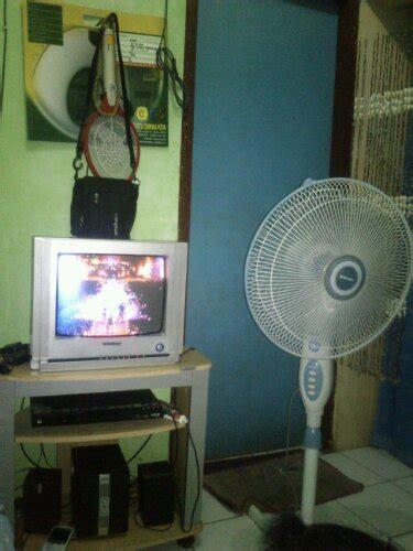 Harga Tv Merk Lg 14 Inchi beli tv lcd baru kok remote dan baut buat penyangganya ga