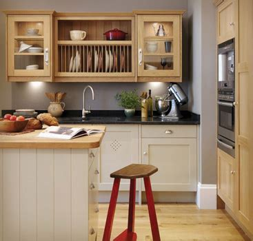 Small Kitchen Cupboards Designs by Kitchen Designs For Small Kitchens
