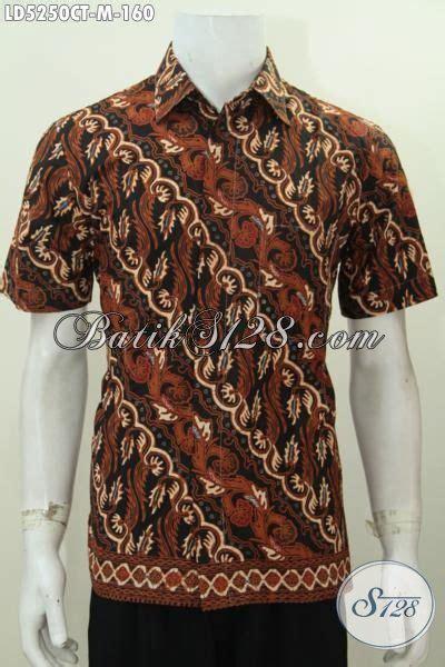 desain baju batik kantoran baju batik klasik motif parang dengan desain berkelas dan