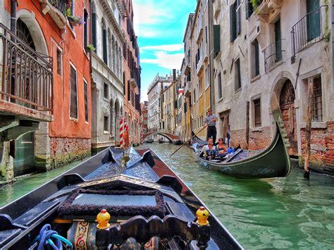 Venesia Top take a gondola ride in venezia world wanderista