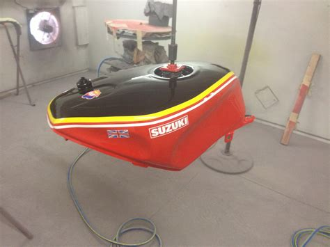 spray painter brendale suzuki rgv 250 barry sheene replica