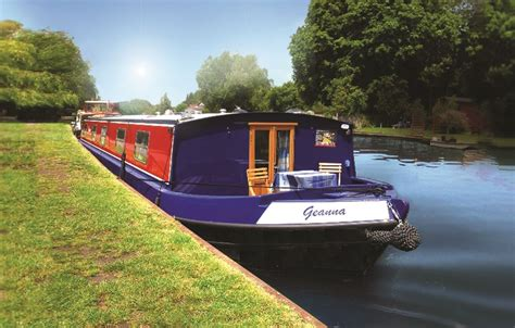 thames river boat accommodation boat geanna henley on thames winner of four in a bed