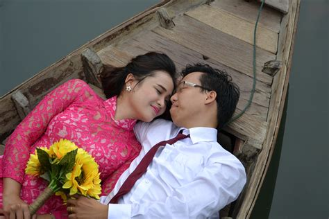 Pre Wedding Photos by Pre Wedding Photoshoot Ideas Indoor And Outdoor