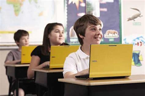 imagenes de niños usando la tecnologia elegir la mejor computadora para los mas chicos