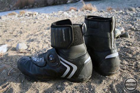 mountain bike shoe reviews up four polar vortex fighting mountain bike shoes