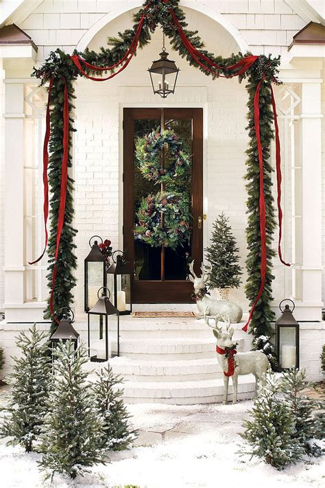 christmas front door decor 5 holiday decorating tips for small patios home bunch