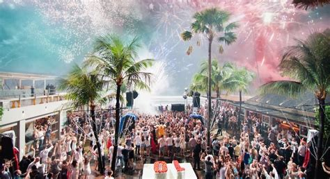 new years events ta 5 amazing bars to spend your new year s in bali