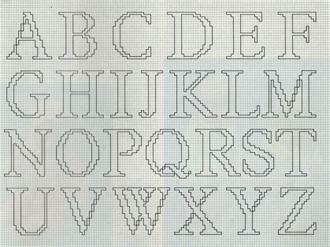 lettere ricamate a punto croce professione donna alfabeto da ricamare usando il punto maglia