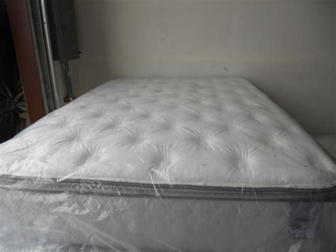 what is a pillow top bed pillow top mattress the benefits you can get bee home