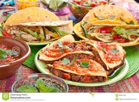 cuisine mexicaine traditionnelle nourriture mexicaine traditionnelle photo stock image