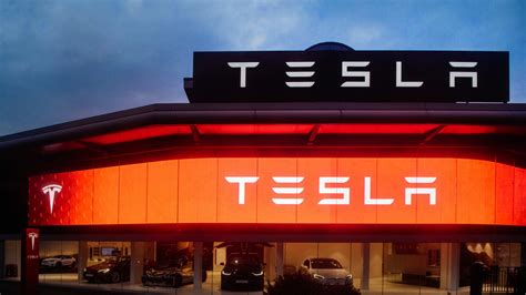 tesla after hours trading tesla s stock drops 5 in after hours trading as 3q